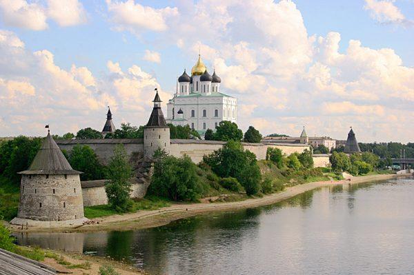 1-2-oktyabrya-pskov-pechory-pushkinskie-gory3