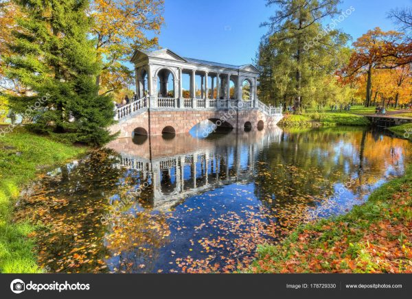 depositphotos_178729330-stock-photo-marble-bridge-golden-fall-catherine