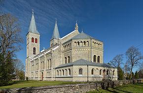 290px-Rapla_kirik1
