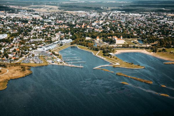 Kuressaare_linn_ja_sadam_2015