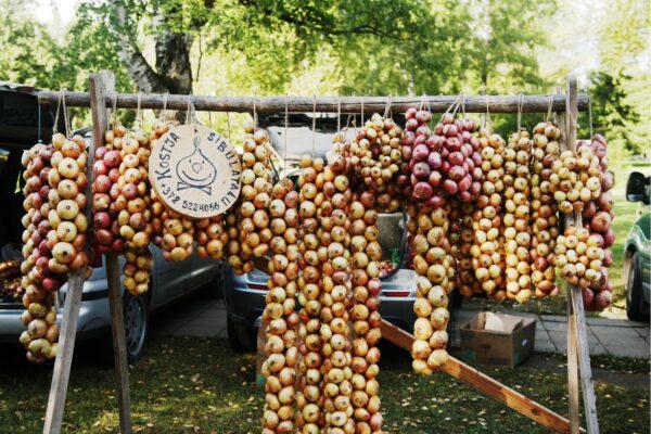 Kallaste-Fish-Onion-Fair-visittartu-visit-estonia+(2)_